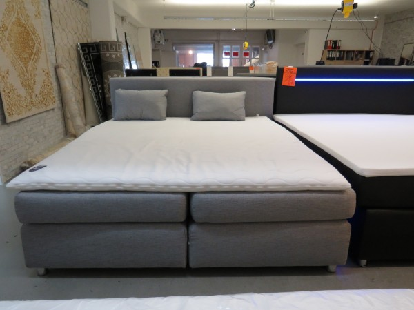 Bett Boxspringbett grau 180x200 cm mit Matratzen und Topper